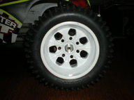 MMT with 420 tires & RedCat Wheels 008.jpg